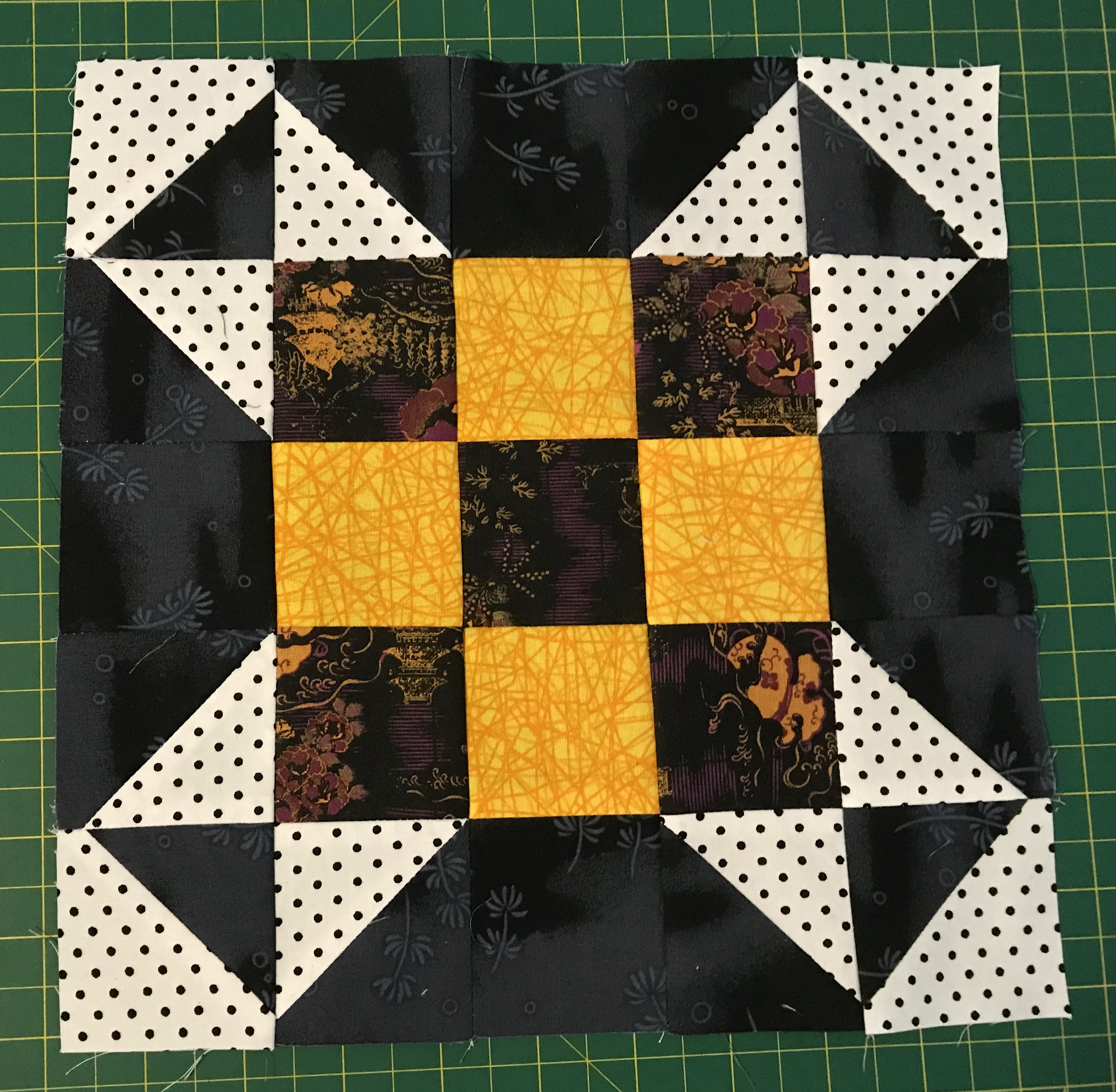Here's my first two blocks. Love seeing the colours others have used. CA8E02A5-0D6E-42F9-939A-0AC8