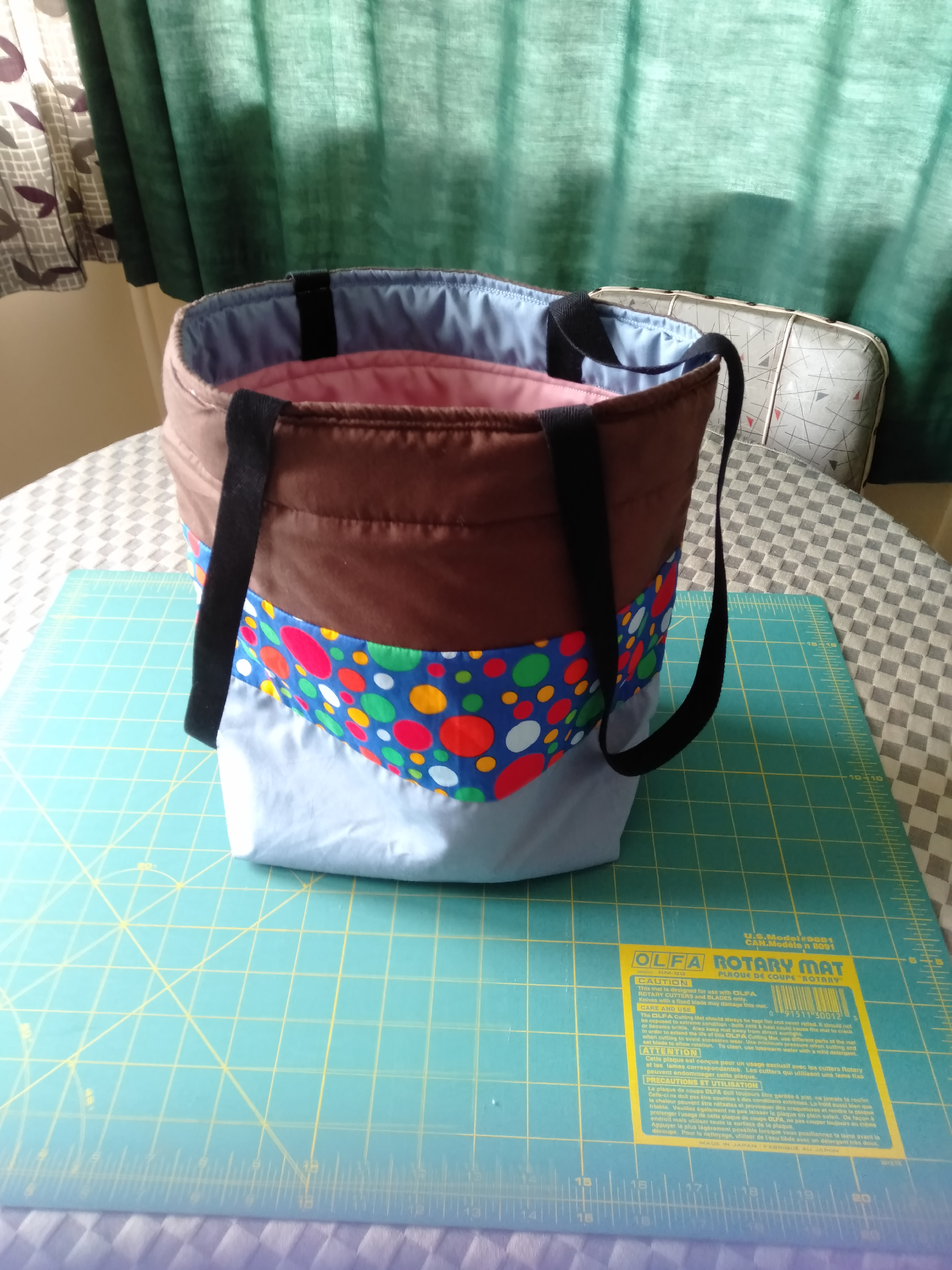 Hi I just made this bag as a gift for a friend first bag I have ever made and I happy with way it tu